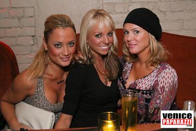 11 21 08  Nikki's 72 Market Street  www niikkivenice com  Photos by Venice Paparazzi (21)