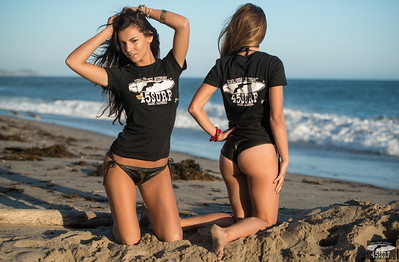 Nikon D800 E Photoshoot of Blonde & Brunette Bikini Swimsuit Model Goddesses!