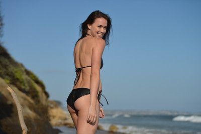 Nikon D800 Photoshoot of Bikini Swimsuit Fitness Model in Malibu