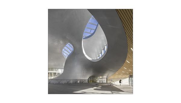 Thea van den Heuvel: CS Arnhem - UN Studio