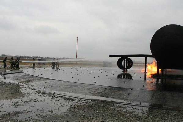 Nipsta FireFighter 2 Live fire Training At Ohare Airport Pit Fires