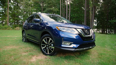 2017 Nissan Rogue SL AWD Parked Footage