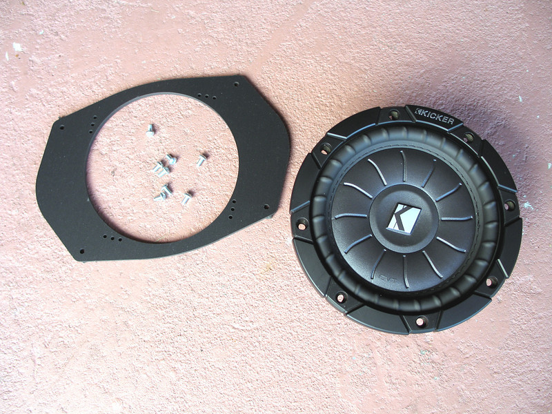 """Aftermarket speaker compared to speaker adapter from  <a href=""""http://www.car-speaker-adapters.com"""">http://www.car-speaker-adapters.com</a>"""