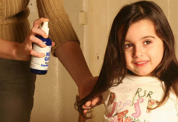 """Nitty Gritty Head Lice Range.<br /> Repellent Spray. Spray a fine mist from approx. 10-12 inches away.<br /> Oakwood Remedies <br />  <a href=""""http://www.nittygritty.co.uk"""">http://www.nittygritty.co.uk</a><br /> amanda@nittygritty.co.uk<br /> Press and PR dani@needtoknowpr.co.uk<br />  <a href=""""http://www.picandmiximages.co.uk"""">http://www.picandmiximages.co.uk</a><br /> © Amanda Coplans"""