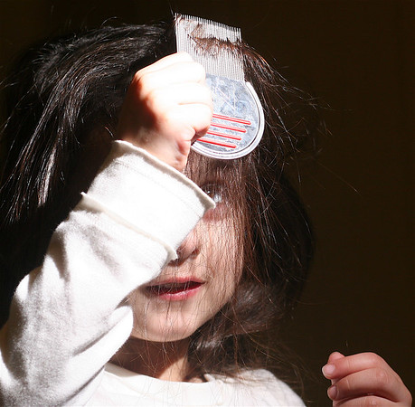 """Nitty Gritty Head Lice Range.<br /> Nitty Gritty NitFree Comb - """"It's child's play!""""<br /> Oakwood Remedies <br />  <a href=""""http://www.nittygritty.co.uk"""">http://www.nittygritty.co.uk</a><br /> amanda@nittygritty.co.uk<br /> Press and PR dani@needtoknowpr.co.uk<br />  <a href=""""http://www.picandmiximages.co.uk"""">http://www.picandmiximages.co.uk</a><br /> © Amanda Coplans"""