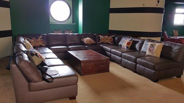 Very spacious lounge area