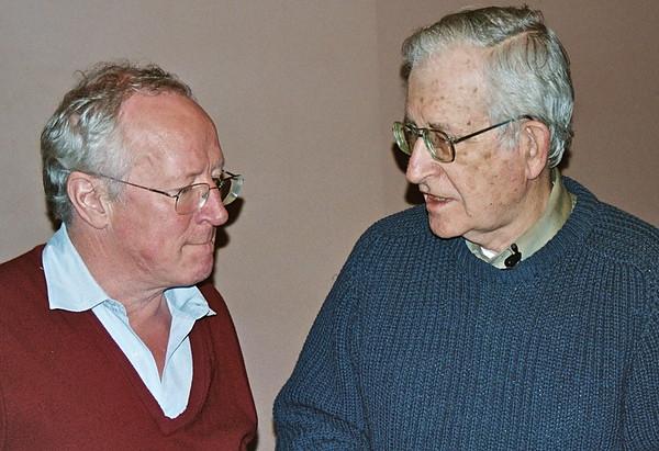 06.04.09 Noam Chomsky & Robert Fisk