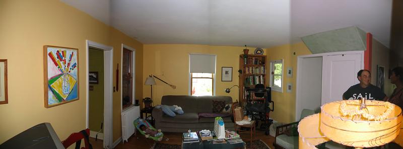 22 Yellow Room Pan