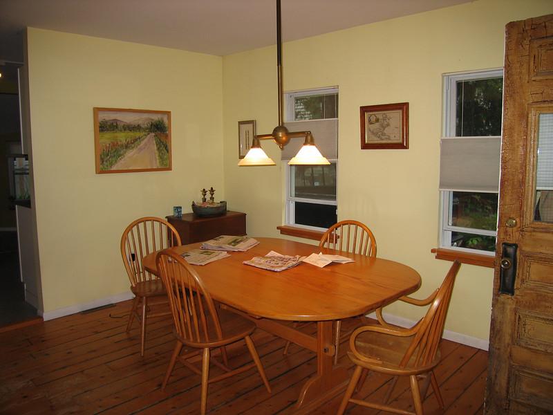 21 Dining Room Single