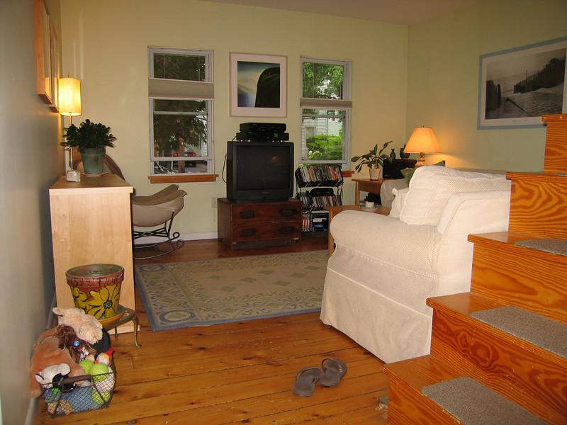 15 Living Room Single