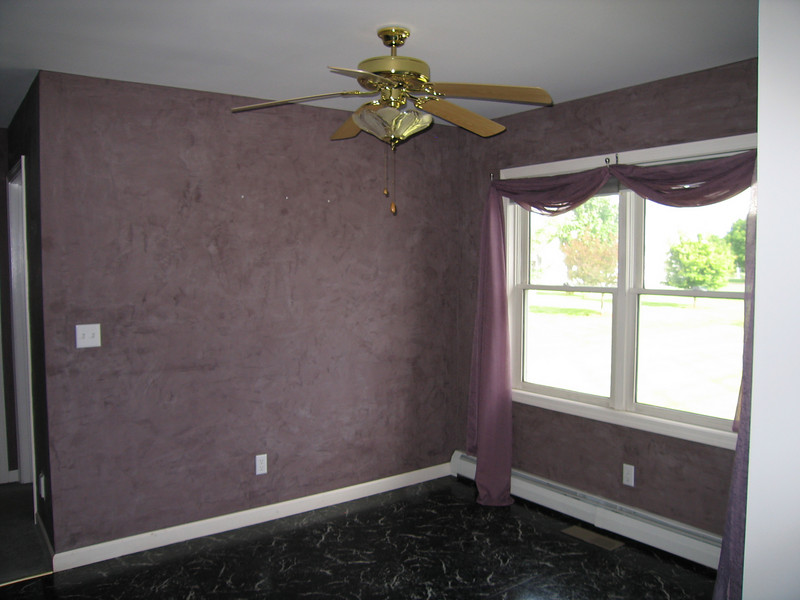 21 Dining Area with Venetian Plaster Walls