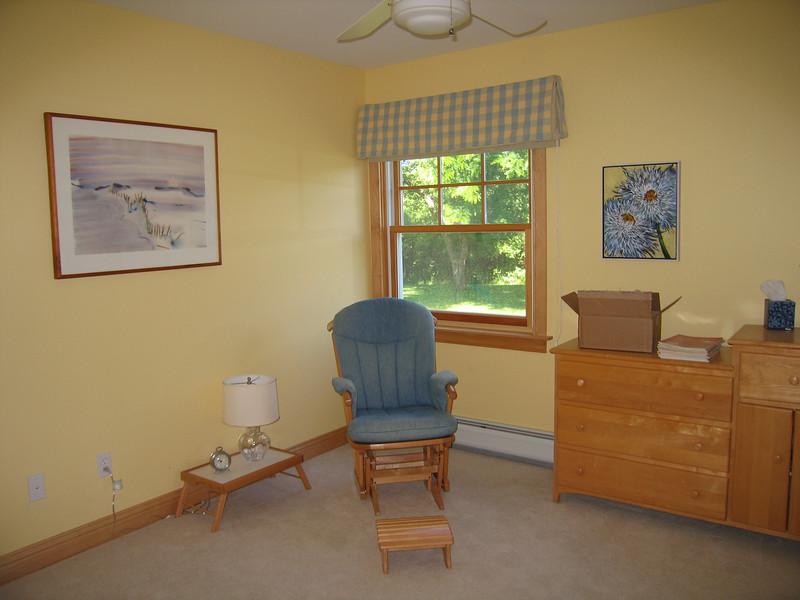 34 Yellow Room Corner