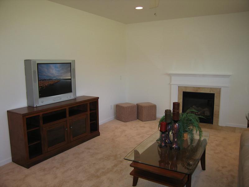08 Living Room Single