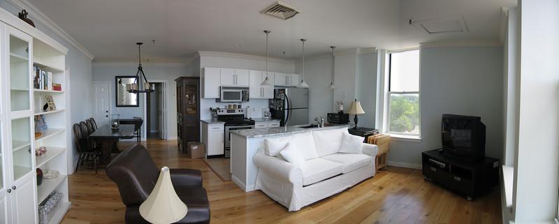 8 Living Room Pan