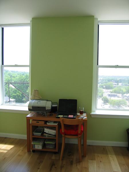 26 Green Room Desk