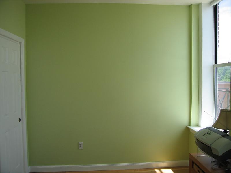 27 Green Room Wall