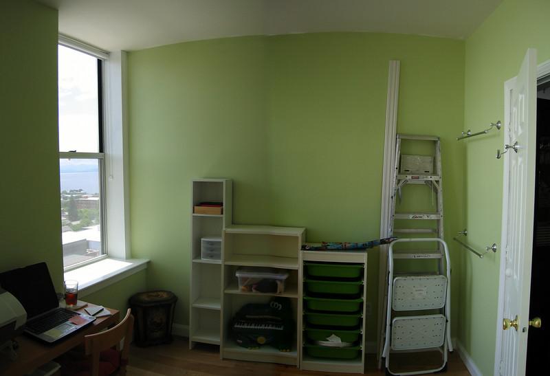22 Green Room Pan