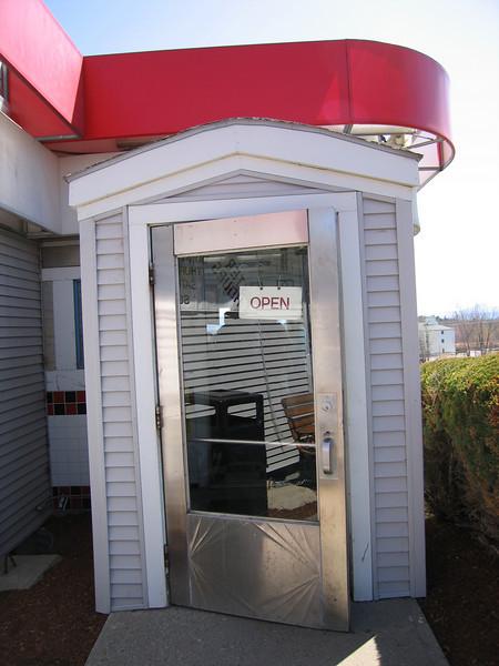 06 Libby's, Doorway