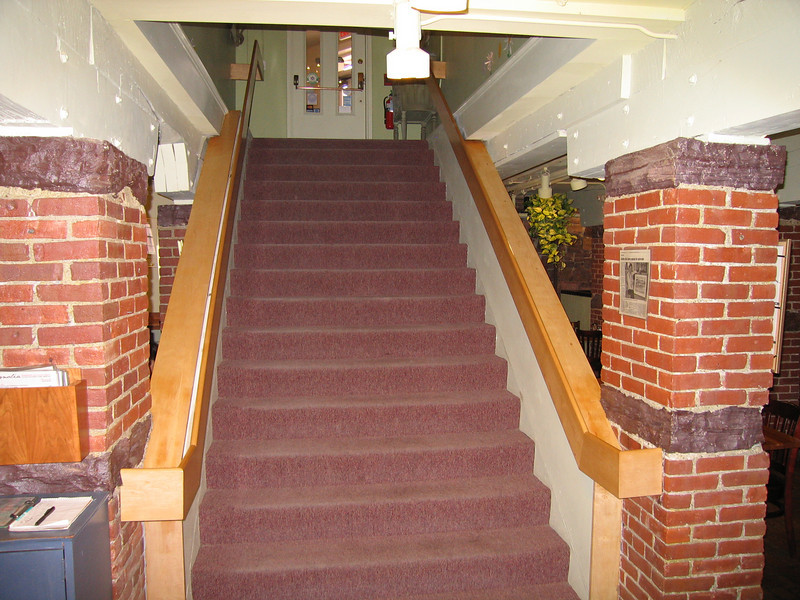 14 Magnolia, Center Entry Stairs