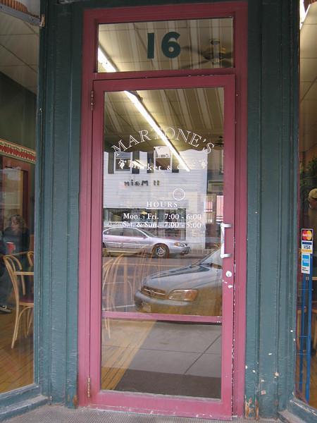 06 Martone's, Door