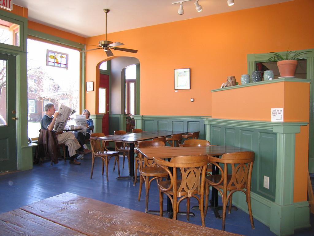 22 Nunyun's, Dining Area Detail