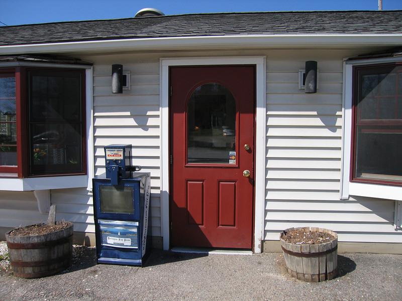 04 Papa Nick's, Entrance