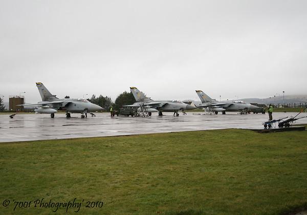 ZE342/'HP' (111 SQN marks) & ZE983/'HL' (111 SQN marks) & ZH552/'HW' (111 SQN marks) Tornado F.3 x3.