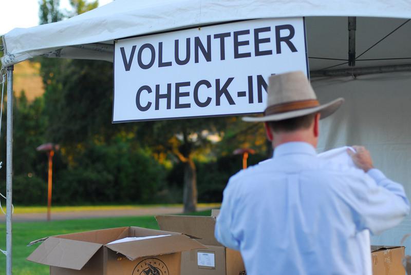 Committee and Volunteers 5-17-09_-198