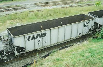 NS44771_Enola_Sep00