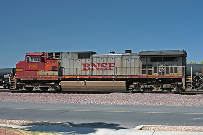 BNSF720_Needles_CA_2010_MelRogers (5)