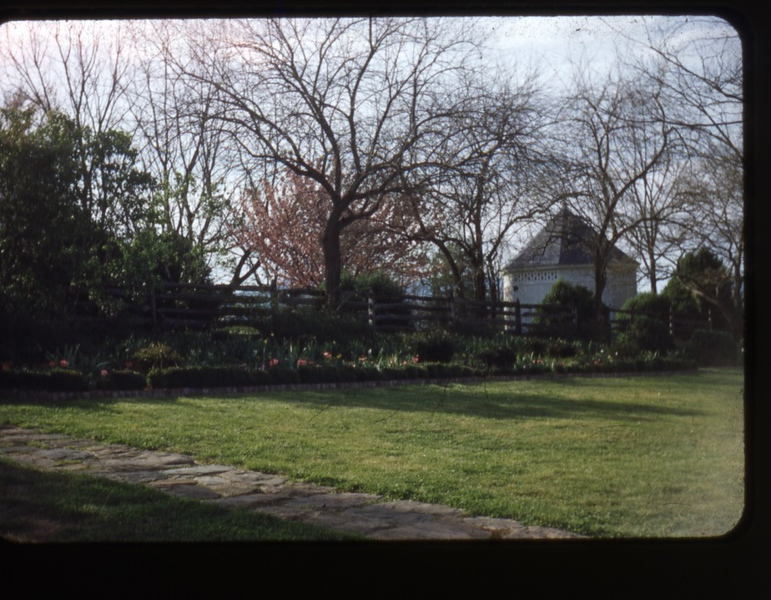 Ivy Hill Farm Gardens  II  (09774)