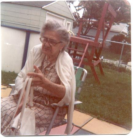 Laura Buonomo (Grandma)
