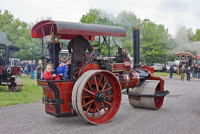 19th May 12:  Taking the kids for a ride is 1925 built Fowler Roller MB 8481.  Castle Combe Steam Rally