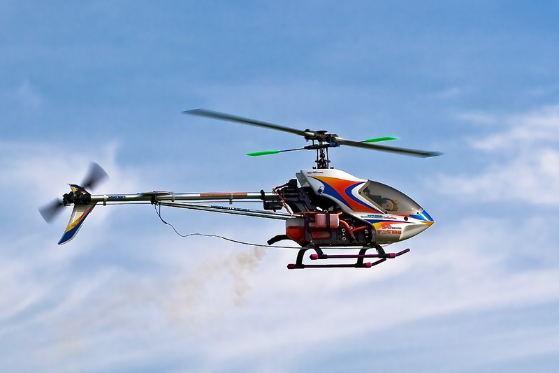 11th Oct 07 :  My son's Hirobo 'Scaedu' hovering while running in a new engine