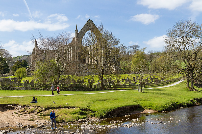 4th May 2016:  Bolton Abbey from the river