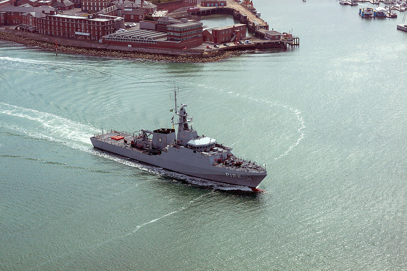 4th Jul 13 13: RN  Coastal Protection vessel P122 enters Portsmouth Harbour