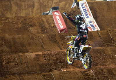 Ricky Carmichael says goodbye to the Georgia crowd at the Atlanta supercross,
