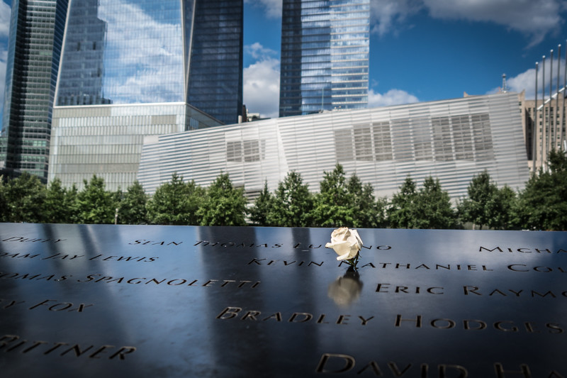 Die Rosen des 9/11 Memorials - New York City, NY - USA