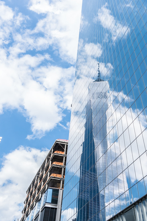Spiegelung des One World Trade Center - New York City, NY - USA
