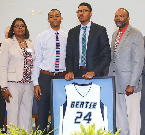 Kent Bazemore's  High school Jersey retired 8 19 14