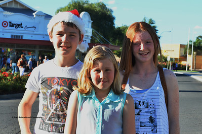 David Waye, Kirra Demtchuk, Cassie Waye all of Renmark enjoy the night.