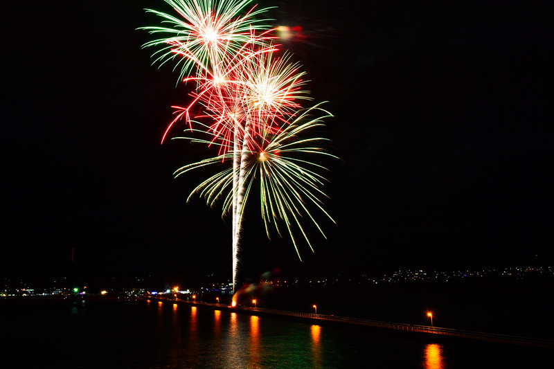 2017 New Years Eve Fireworks at Victor Harbor (Midnight spectacular)
