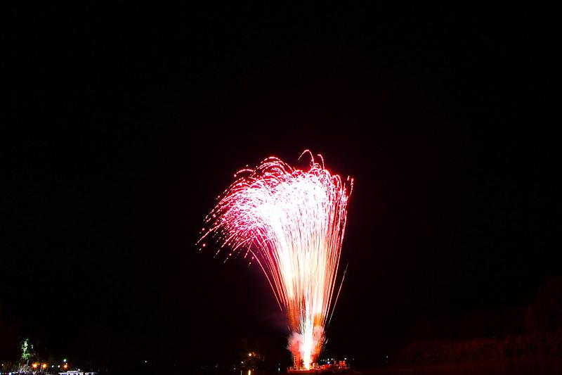 Renmark Xmas Pageant Fireworks 2015