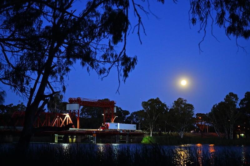 Full moon over Paringa Bridge