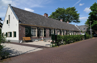 Laren - Nieuwlarenweg 2-8
