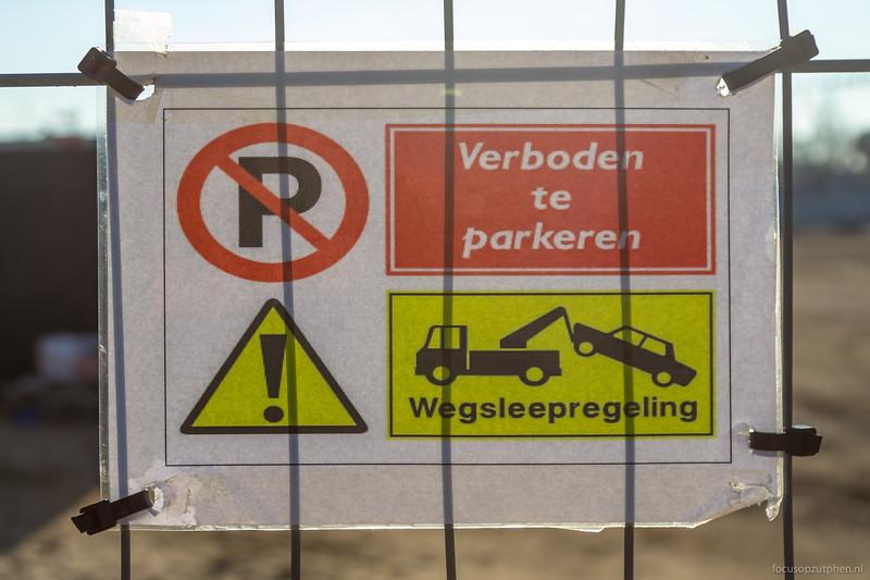 Verboden te parkeren bij het Koelhuis