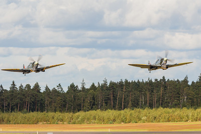 2xSpitfire taking off