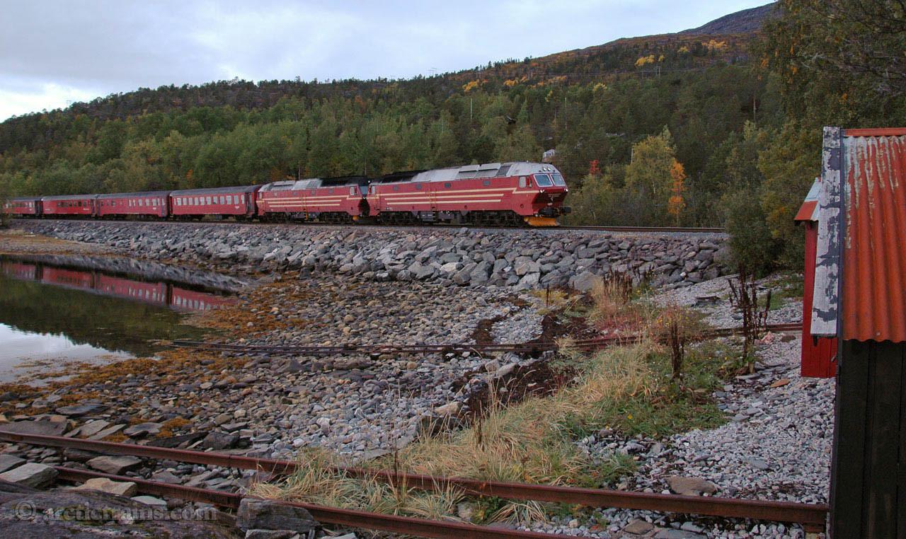 NSB Di 4 Nordvika 2007-09-20 by TS