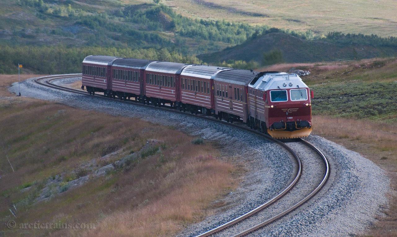NSB Di4 service 471 for Bodø at Semska, Saltfjellet 2009-08-24 by Terje Storjord