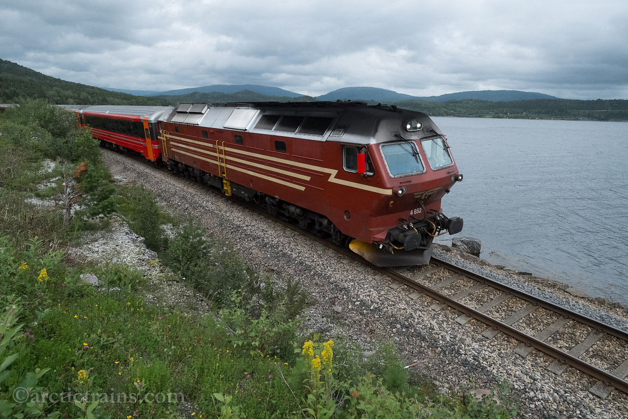 NSB Di 4.652 train 471 at Sagelv between Fauske and Bodø 2013-07-11 by TS